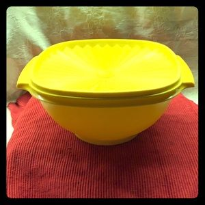 Vintage Tupperware Yellow Serving Bowl w/ Lid